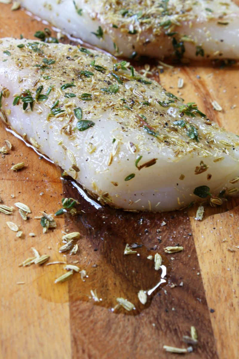 Raw cod with fennel and thyme
